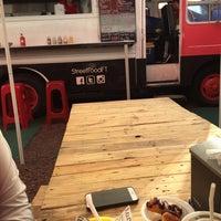 Foto tomada en Street Food Truck - Costras y Quesitacos por Jaime el 8/27/2015