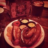 Das Foto wurde bei McGuire's Irish Pub von Jason P. am 2/2/2013 aufgenommen
