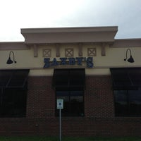 Photo taken at Zaxby's Chicken Fingers & Buffalo Wings by William B. on 9/8/2013