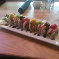 Photo prise au The Cowfish Sushi Burger Bar par B.J. W. le7/17/2013