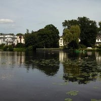 Photo taken at Alster-Rundfahrten by Frank L. on 6/17/2013