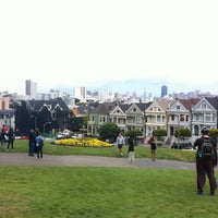 Photo prise au Alamo Square par Sadiri T. le7/26/2013