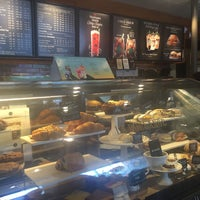 Photo taken at Starbucks by Georgiana M. on 7/13/2016