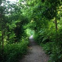 รูปภาพถ่ายที่ Rock Creek Running Trail โดย Allison เมื่อ 5/31/2013