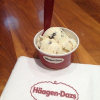 Photo taken at Häagen-Dazs by Mamba N. on 6/29/2013