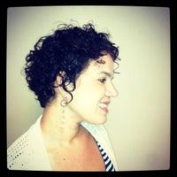 Das Foto wurde bei BB Salon von Amelia T. am 10/24/2012 aufgenommen