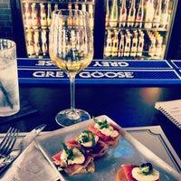 Photo prise au Taps Wine & Beer Eatery par Amelia T. le6/11/2013