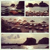 7/21/2013 tarihinde Erkan K.ziyaretçi tarafından Iyot Restaurant Cafe & Beach'de çekilen fotoğraf