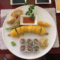 Foto tomada en Nori Sushi por Adrianne C. el 9/26/2014