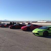 Foto tirada no(a) Exotics Racing por Kenneth L. em 12/28/2012