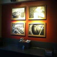Das Foto wurde bei Starbucks von Michael S. am 9/26/2012 aufgenommen