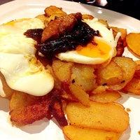 Foto tomada en Restaurante Burg & Gintonic por Maria R. el 11/30/2013