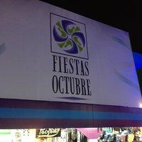 รูปภาพถ่ายที่ Fiestas de Octubre โดย Guillermo F. เมื่อ 10/18/2013