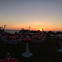 Photo taken at Terraza Splash, Hard Rock Hotel Vallarta by Uriel P. on 4/3/2014