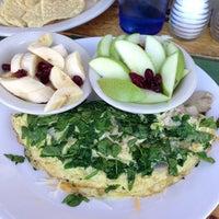 Photo taken at Bouldin Creek Café by Mike Z. on 1/18/2013