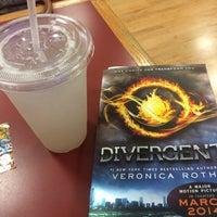 Photo prise au BookPeople Cafe par Darcy W. le4/23/2014