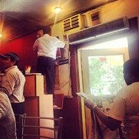 Das Foto wurde bei Khanna Market von Abhishek R. am 9/7/2013 aufgenommen