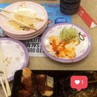 Photo taken at Sushi King by Raja Khoirul A. on 8/27/2017