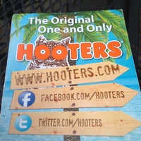Photo taken at Hooters by Pepe T. on 11/10/2012