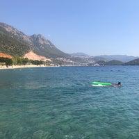 Foto diambil di Olympos Mocamp Beach Club oleh Ayça A. pada 10/9/2018