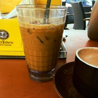 Photo taken at OldTown White Coffee by neehalhalsey_ on 8/28/2016