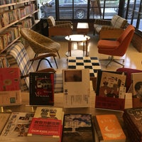 Photo taken at 水牛書店 Buffalo Bookstore by Franka K. on 12/18/2016