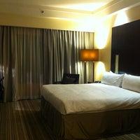 Photo taken at Amara Singapore Hotel by Franka K. on 1/6/2013