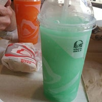 Photo taken at Taco Bell by Ashley H. on 7/11/2016