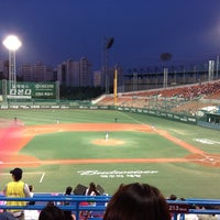 Photo taken at Mokdong Baseball Stadium by Hoyeon K. on 9/25/2013