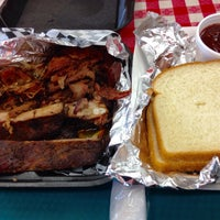 Photo taken at Robert Earls Real Deal BBQ by Justin O. on 6/2/2015