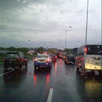 Photo taken at Tol Surabaya - Gresik by muhammad n. on 1/4/2013