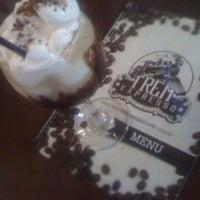 Photo taken at Trem Expresso Café e Bistrô by Rodrigo G. on 10/4/2012