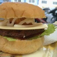 Photo taken at Big Burger by Soedarsono L. on 11/15/2014