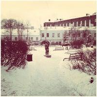 Снимок сделан в Университетский дворик пользователем Александра Ц. 12/10/2012
