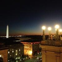 10/11/2012 tarihinde Corrie D.ziyaretçi tarafından Warner Theatre'de çekilen fotoğraf