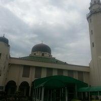 Foto scattata a Masjid al-Hasanah مسجد الحسنة da Rizal R. il 2/8/2013