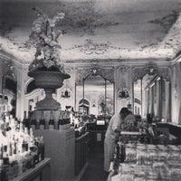 Das Foto wurde bei Falk's Bar von Ilya A. am 5/9/2013 aufgenommen