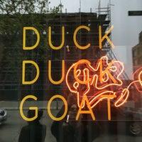 รูปภาพถ่ายที่ Duck Duck Goat โดย Kendall B. เมื่อ 4/28/2016