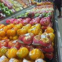 Foto tomada en Robinsons Otis Supermarket por Mado A. el 10/4/2013