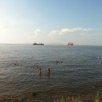 Photo taken at Пляж На Маяке by Роман К. on 8/11/2013