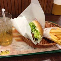 Photo taken at MOS Burger by 田脇 正. on 2/24/2013