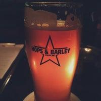Das Foto wurde bei Hops & Barley von Kadir C. am 3/1/2016 aufgenommen