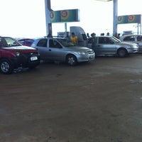 Photo taken at Auto Posto Cerrado by Tarso T. on 3/29/2013