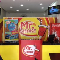 Photo taken at Mr. Shake Campo Belo by Marcilio R. on 1/18/2014