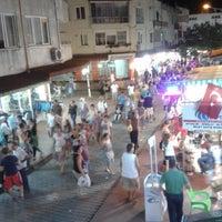 Photo taken at Altınoluk Barlar Sokağı by Barış on 8/9/2016