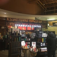 Photo taken at Starbucks by Janice D. on 12/30/2016