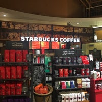 Photo taken at Starbucks by Janice D. on 11/14/2016