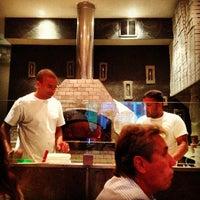 Foto tirada no(a) Pizzeria Defina por the BREL team em 7/12/2013