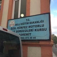 Photo taken at Özel Körfez Sürücü Kursu by Ceyhan Ç. on 2/13/2017