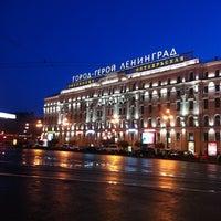Снимок сделан в Московский вокзал пользователем Анюта И. 9/15/2013